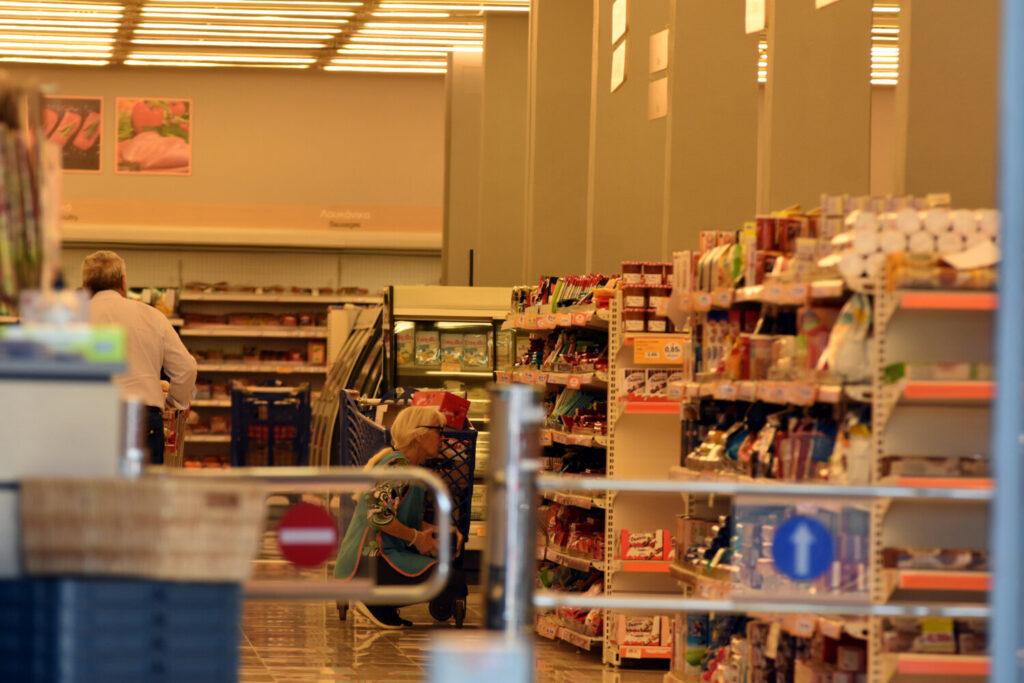 Σούπερ μάρκετ: Τι αλλάζει σε ωράριο λειτουργίας και αριθμό πελατών