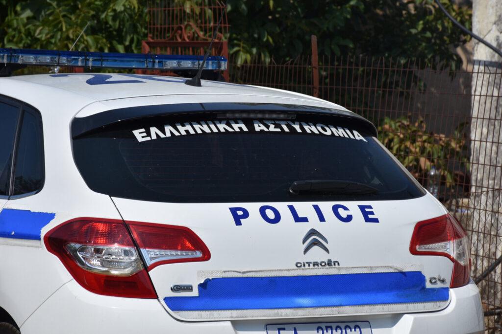 Αστυνομικός καταγγέλλει ότι του έκλεψαν 15.000 ευρώ μέσα από το τμήμα (video)