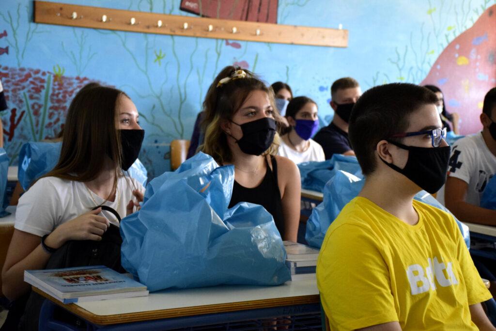 Στα 3.000 φτάνουν τα συνολικά θετικά self test στα σχολεία – Εκτός αιθουσών μαθητές που δεν είχαν βεβαίωση (video)