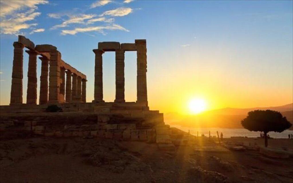 Οι ΗΠΑ χαλαρώνουν τους ταξιδιωτικούς περιορισμούς για την Ελλάδα