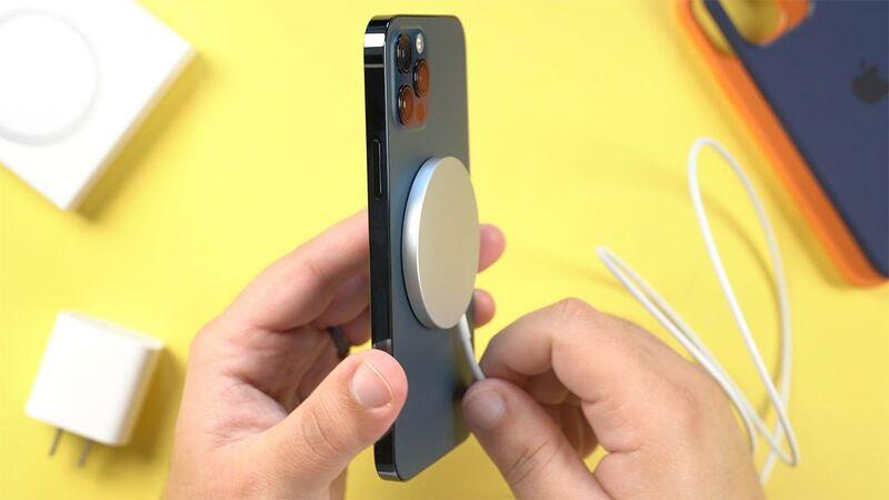 Apple: Κρατήστε το iPhone 12 μακριά από το βηματοδότη σας
