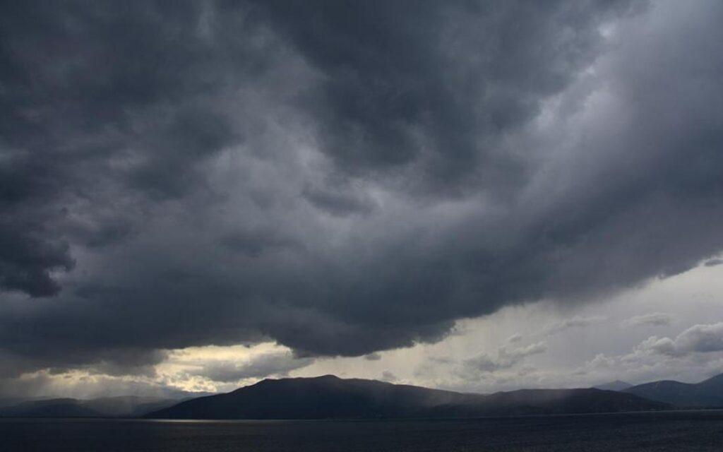 Άστατος ο καιρός τη Δευτέρα – Πού αναμένονται βροχές (video)