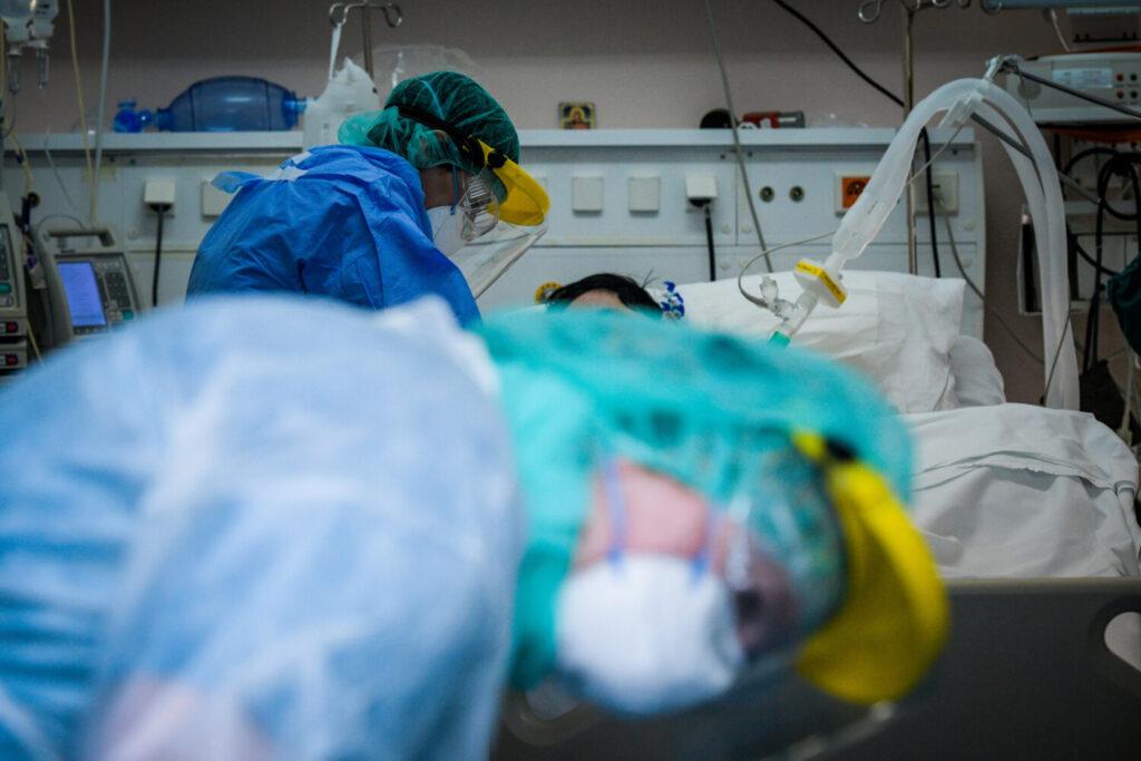 Η κολχικίνη στη μάχη κατά του κορωνοϊού – Σε ποιους ασθενείς θα χορηγείται