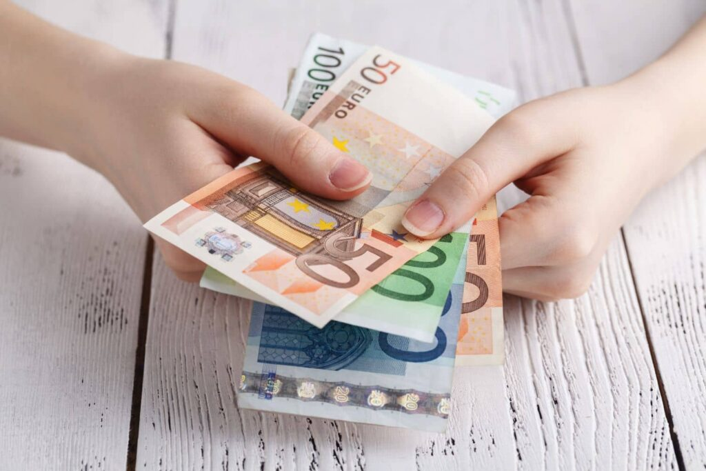 Επέκταση της ρύθμισης για 100 δόσεις στους δήμους για χρέη της πανδημίας