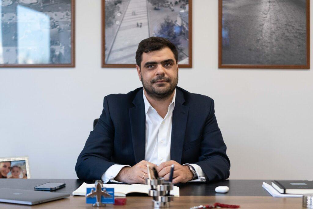 Παύλος Μαρινάκης στο Bigpost: Πρώην φοιτητές και κομματικά στελέχη που έχτισαν καριέρα στις πορείες, είναι αυτοί που διαδηλώνουν