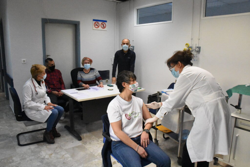 Θεοδωρίδου: Τρίτη δόση εμβολιασμού για τις ευπαθείς ομάδες – Πότε και πως θα γίνει