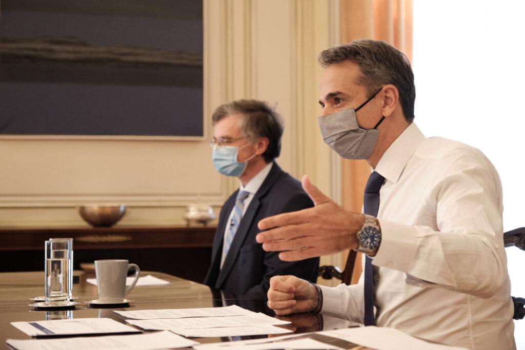 «Καμπανάκι» Μητσοτάκη – Τσιόδρα: Η πανδημία παραμένει – Ανησυχία για τα μεταλλαγμένα στελέχη