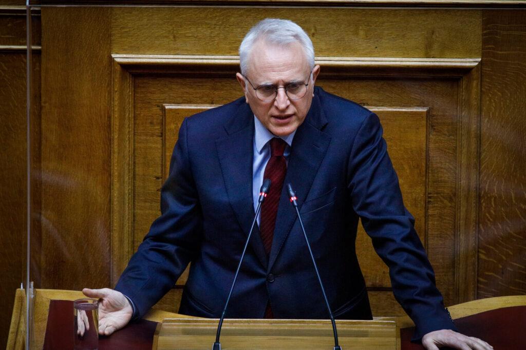 Ραγκούσης για συνεπιμέλεια: «Το νομοσχέδιο είναι προσωπική επιμονή Μητσοτάκη»