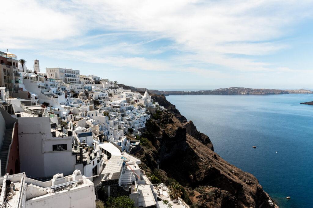 Στην πορτοκαλί ταξιδιωτική λίστα του Λονδίνου παραμένει η Ελλάδα
