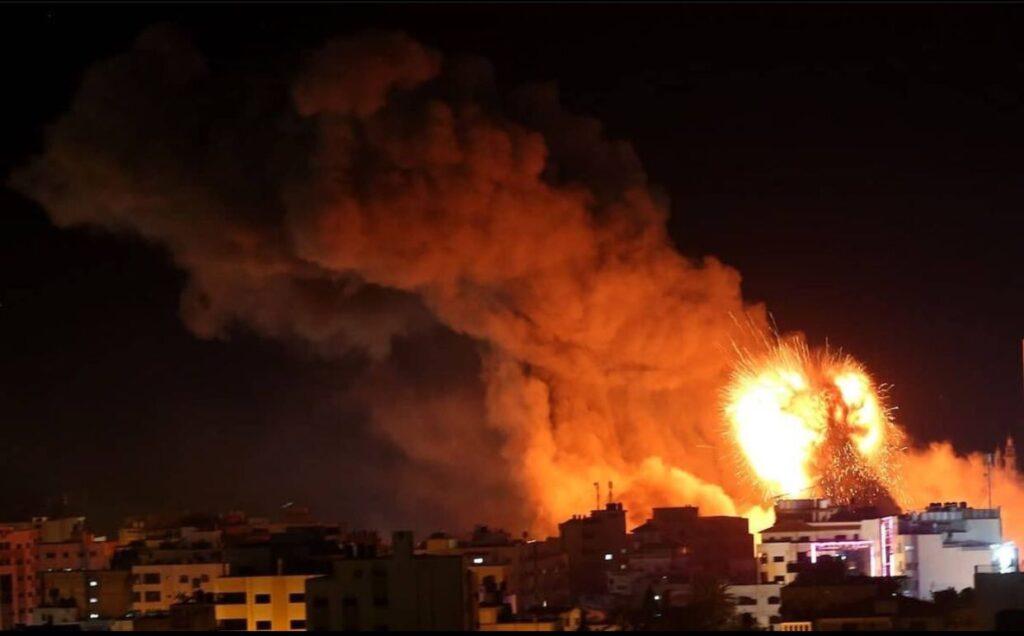 «Φλέγεται» η Λωρίδα της Γάζας – Πάνω από 200 νεκροί, ανάμεσά τους 58 παιδιά (video)