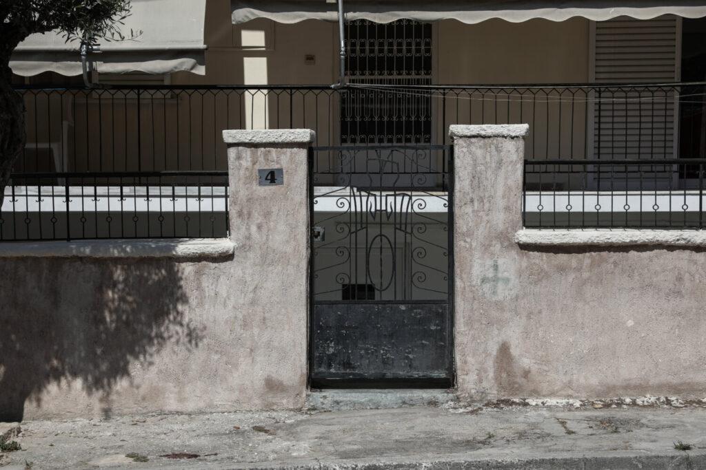 Στον εισαγγελέα ο σύζυγος-δολοφόνος της 64χρονης – «Όταν την έβλεπε, την κοπάναγε» λένε οι γείτονες