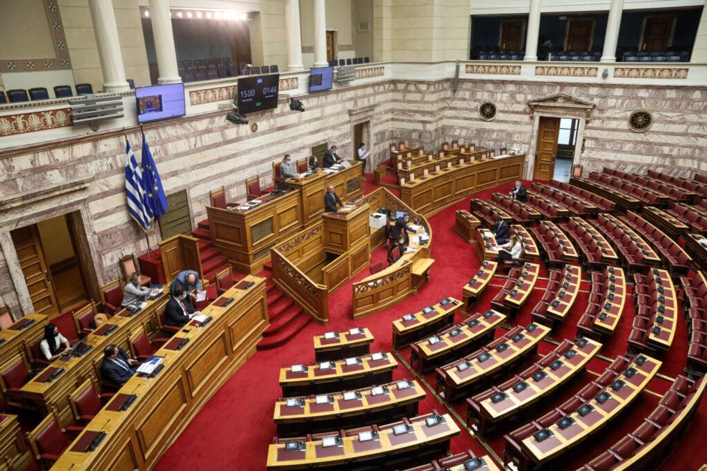 Βουλή: Κορυφώνεται η μάχη για το εργασιακό νομοσχέδιο – Η ώρα του πρωθυπουργού και των πολιτικών αρχηγών