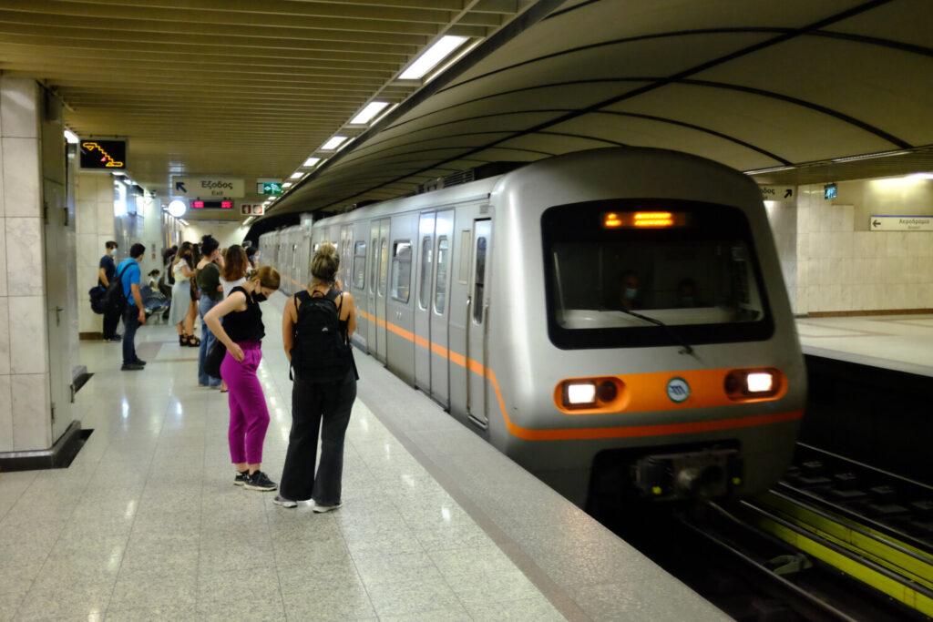 Αυριανή απεργία: Θα λειτουργήσουν μέχρι τις 10 το πρωί τραμ και μετρό λόγω Πανελλαδικών