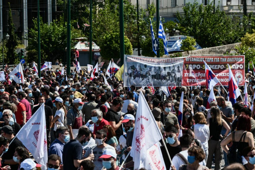 Σε απεργιακό κλοιό η χώρα  για τα εργασιακά – Σε εξέλιξη οι διαδηλώσεις στο κέντρο