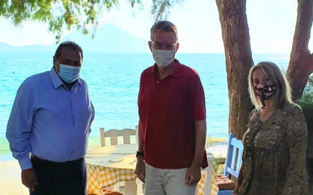 Στην Αμοργό για διακοπές ο πρέσβης των ΗΠΑ Τζέφρι Παιατ