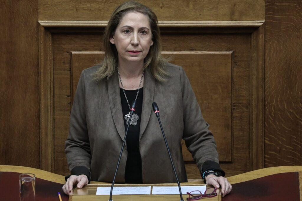 Η Μαριλίζα Ξενογιαννακοπούλου στην εκπομπή «ΕΠΤΑ» με τη Βάλια Πετούρη