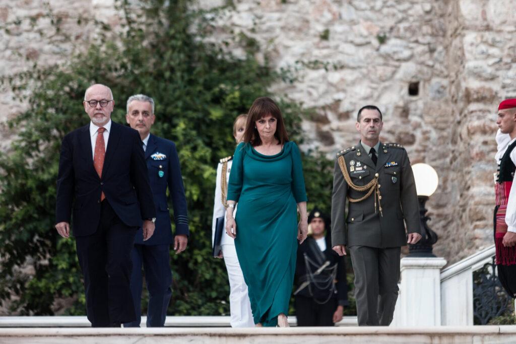 Μήνυμα Σακελλαροπούλου για την 47η επέτειο της μεταπολίτευσης: Η συμπαράστασή μας στην Κύπρο είναι απόλυτη (εικόνες)