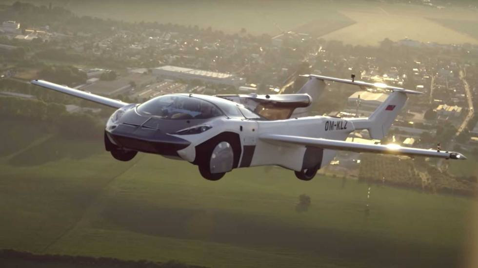 Ιπτάμενο αυτοκίνητο με κινητήρα BMW, πετάει ανάμεσα σε δύο πόλεις στη Σλοβακία (video)