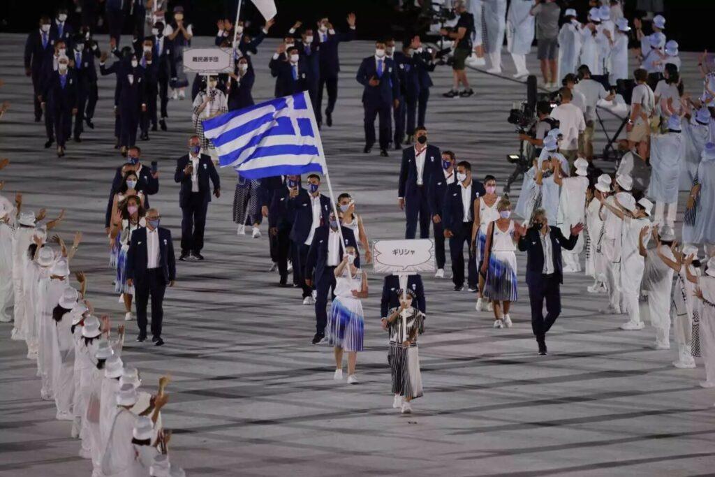 Ολυμπιακοί Αγώνες: Η είσοδος της Ελλάδας με Άννα Κορακάκη και Λευτέρη Πετρούνια