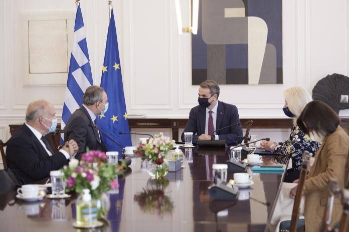 Μητσοτάκης σε ΓΓ ΑΚΕΛ: Διαρκής η στήριξη της Ελλάδας για την επίτευξη λύσης στο Κυπριακό