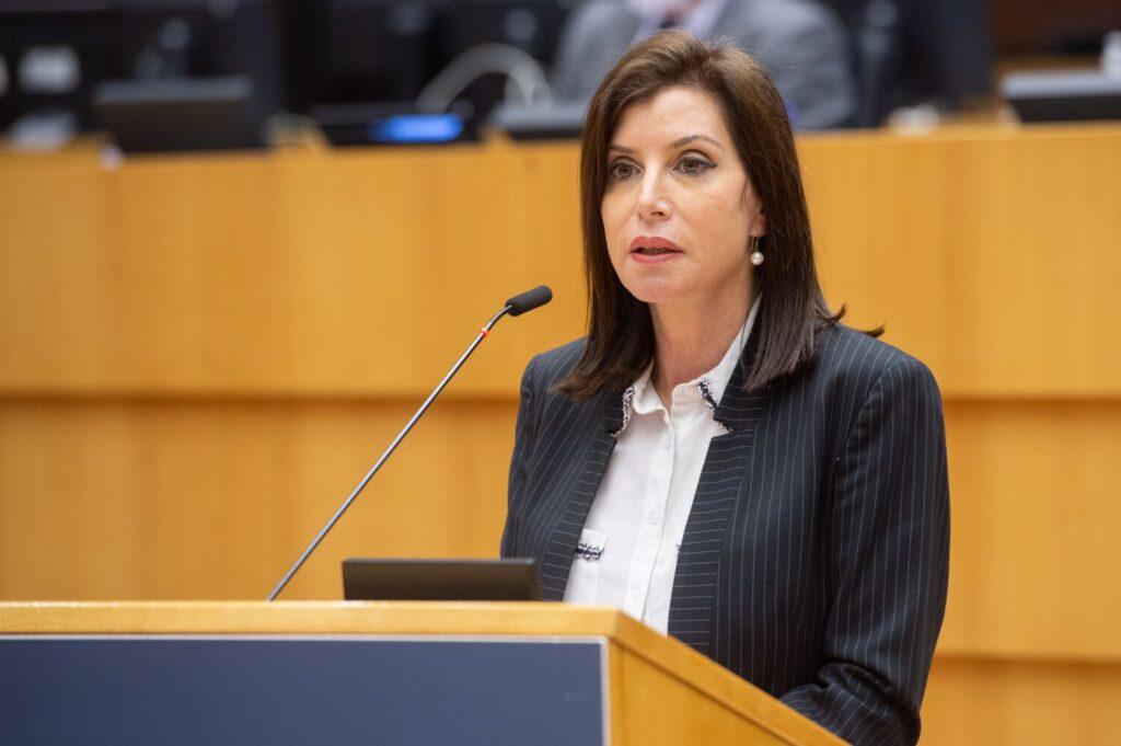 Άννα Μισέλ Ασημακοπούλου: «40 χρόνια στους κόλπους της ευρωπαϊκής οικογένειας,  για τη χώρα μας, σημαίνουν … εξέλιξη και ασφάλεια»