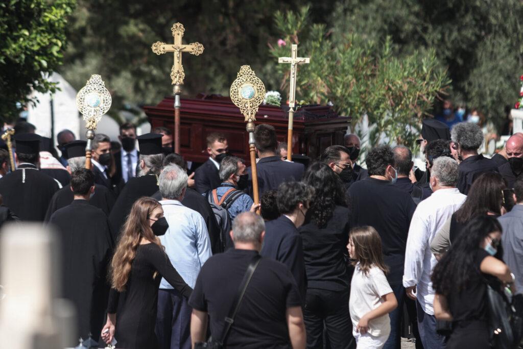 Μίκης  Θεοδωράκης: Πέρασε στην αιωνιότητα  – Θα μείνει  στις καρδιές όλων των Ελλήνων  (βίντεο)