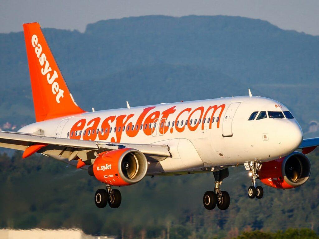 Η EasyJet απέρριψε πρόταση εξαγοράς – Σχέδιο για άντληση κεφαλαίων ύψους 1,2 δισ. στερλινών