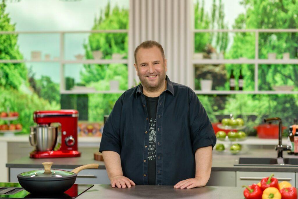 """Πρεμιέρα τη Δευτέρα στις 14.00 για την εκπομπή """"Κάθε Μέρα Chef με τον Βαγγέλη Δρίσκα"""""""